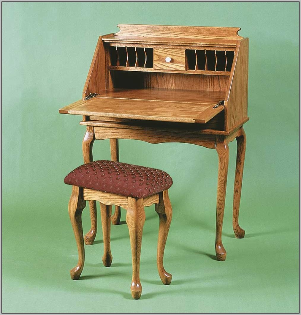 Queen Anne Desk With Hutch