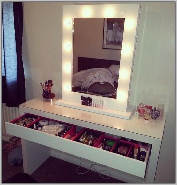 Broadway Lighted Vanity Makeup Desk White