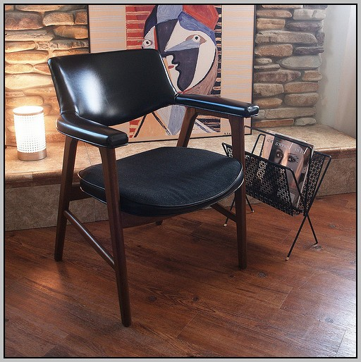 Comfortable Chair With Desk Arm