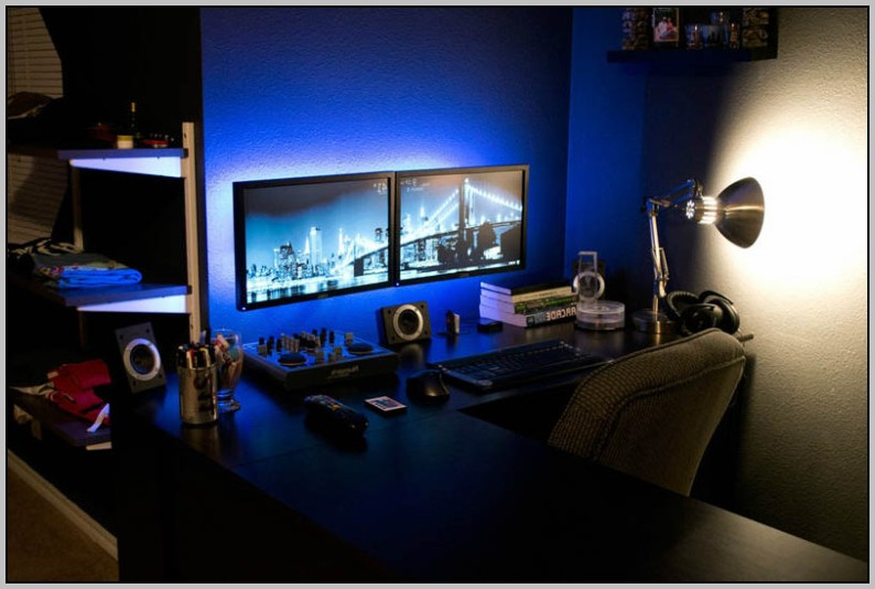 Dual Monitor Computer Desk With Hutch