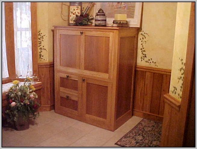 Hideaway Computer Desk Mahogany
