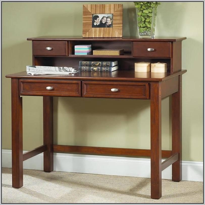 Ladies Writing Desk With Hutch