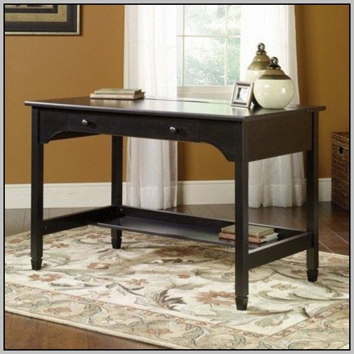 Sauder Shoal Creek Executive Desk With Hutch