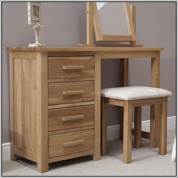 Single Pedestal Desk Oak Finish