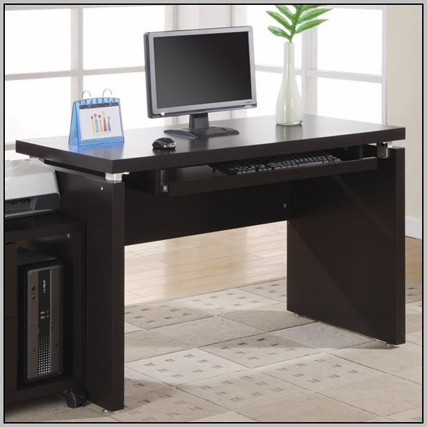 Space Saving Computer Desk With Hutch