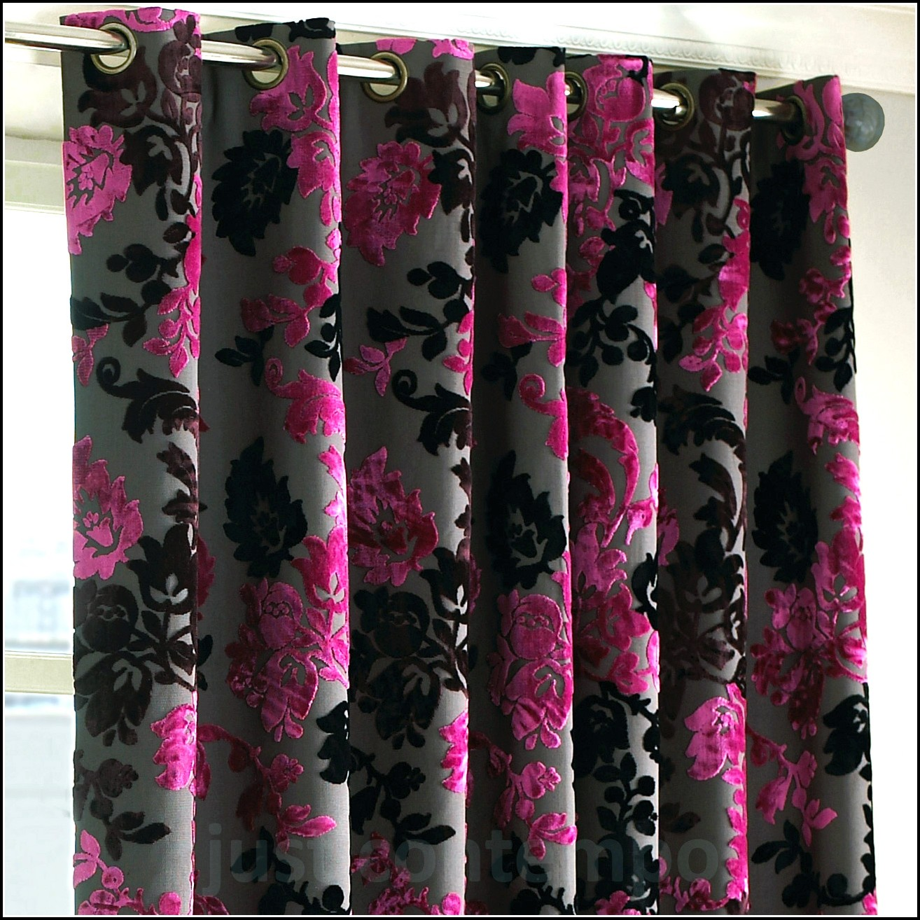 Pink And Black Curtains And Bedding