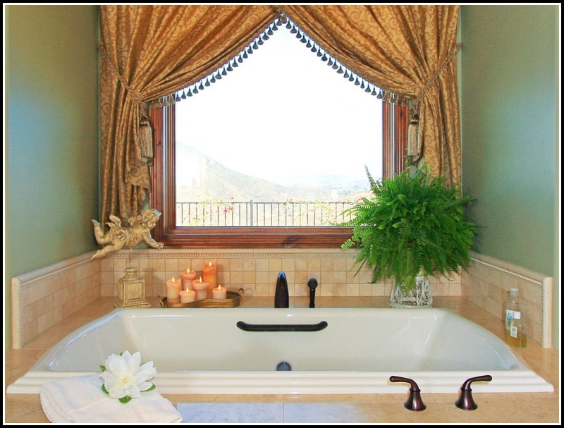 Bathroom Window Decorating Ideas