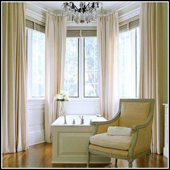 Curtain Ideas For Small Bedroom Windows