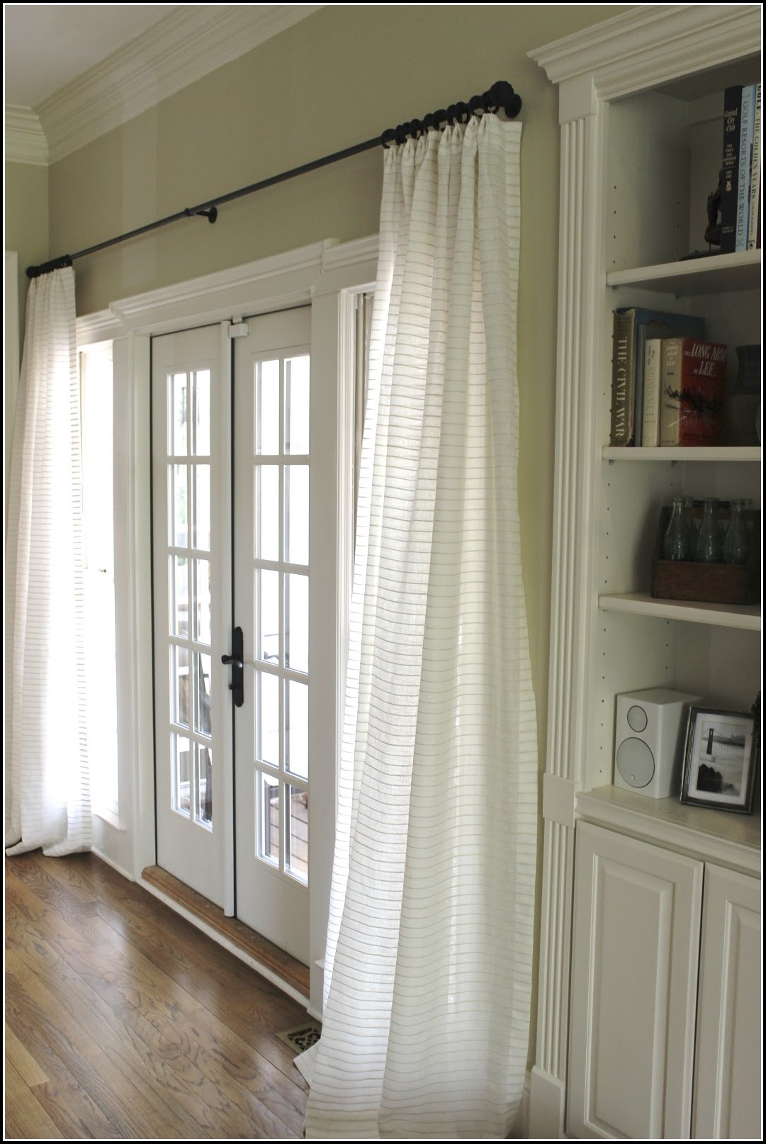 Hang Curtains From Ceiling Around Bed