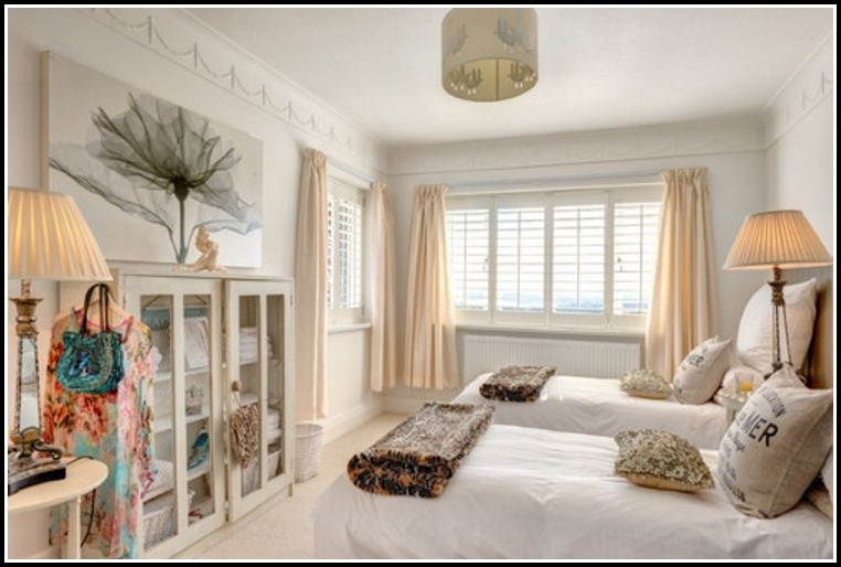 Long Or Short Curtains For Bedroom