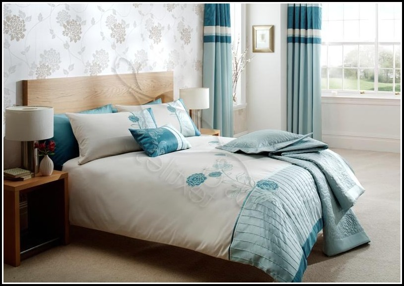 White And Blue Curtains For Bedroom