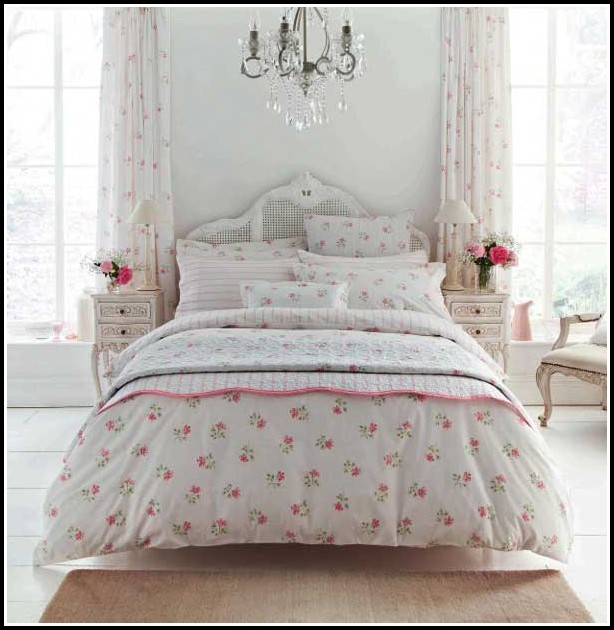 Fitted Bedspreads And Matching Curtains
