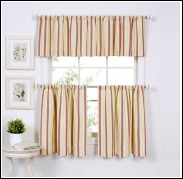 Green Walls Gold Curtains