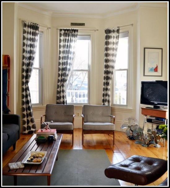 Hanging Curtains On A Bay Window