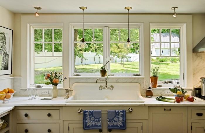 Farm Style Sink with Backsplash