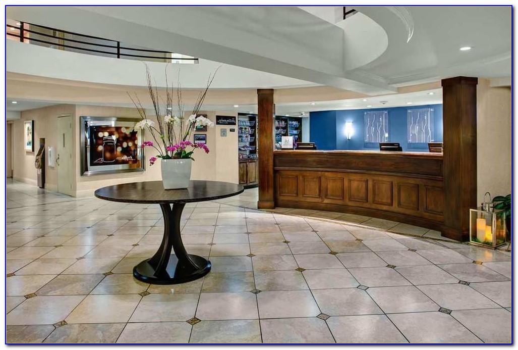 Hilton Garden Inn Monterey Airport