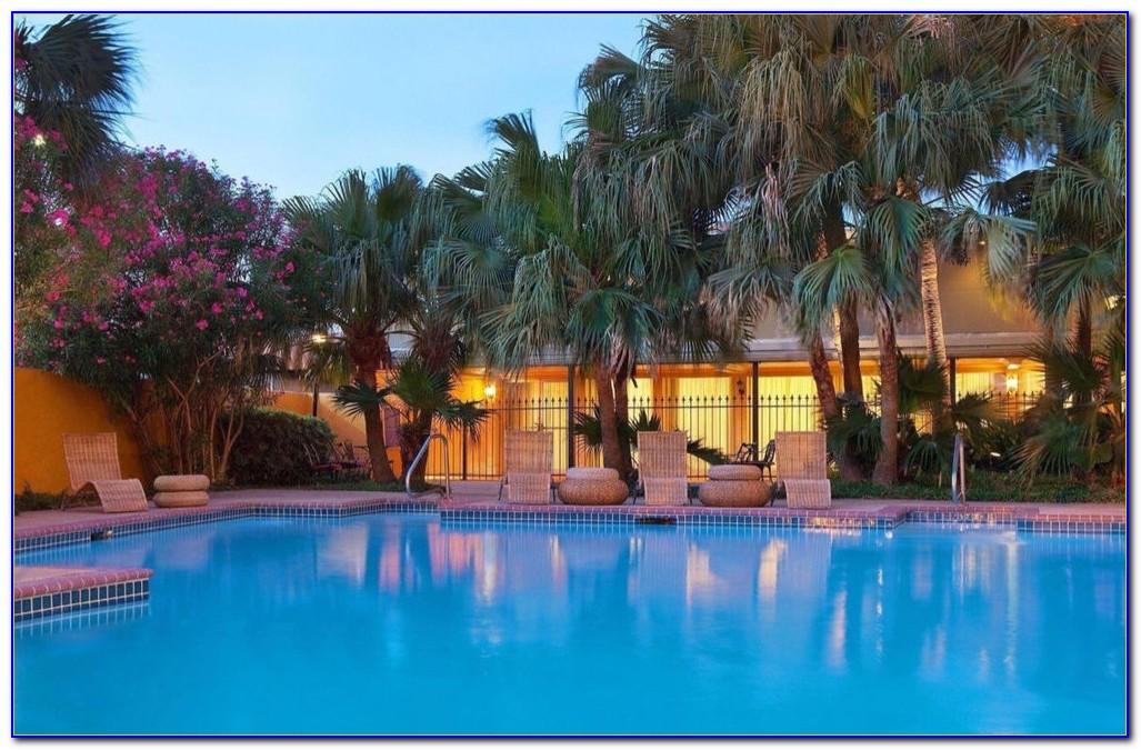 Wyndham Garden New Orleans Hotel