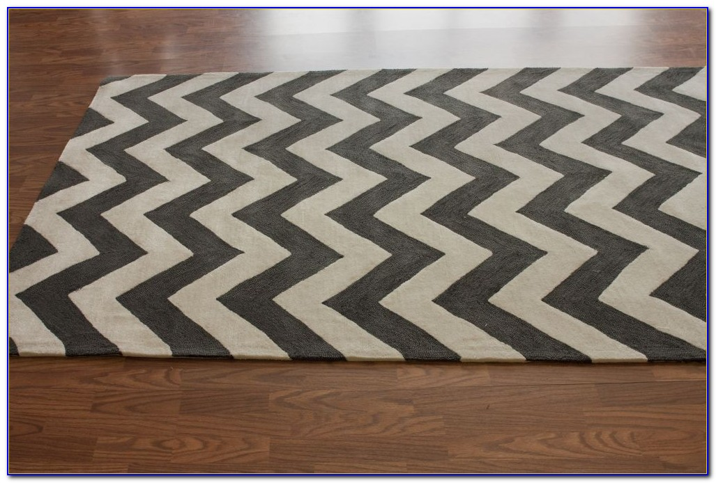 Chevron Area Rug Grey