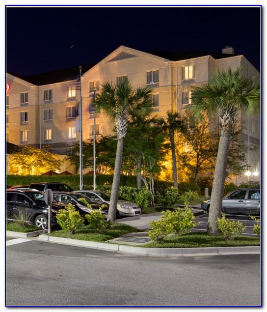 Hilton Garden Inn Charleston Waterfront Downtown
