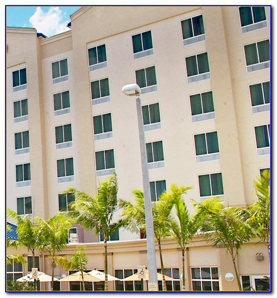 Hilton Garden Inn Miami Airport West Parking