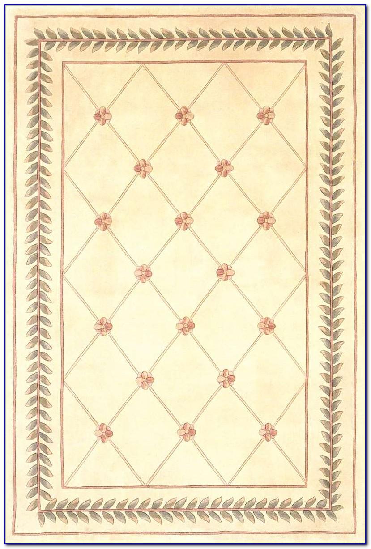 Trellis Pattern Area Rug