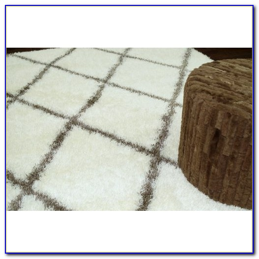 Big White Fluffy Area Rug