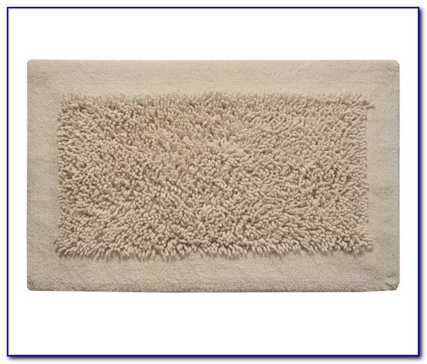 Chenille Bath Mat And Pedestal Set