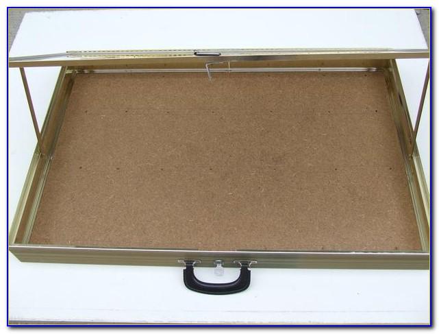 Briefcase Style Portable Tabletop Displays