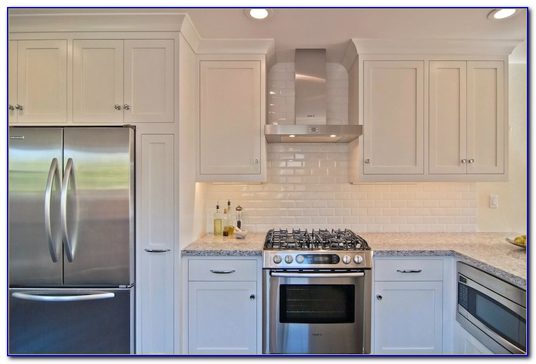 Cream Beveled Subway Tile Backsplash