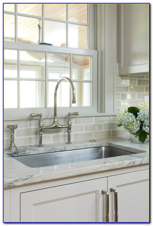 Houzz Kitchen Subway Tile Backsplash