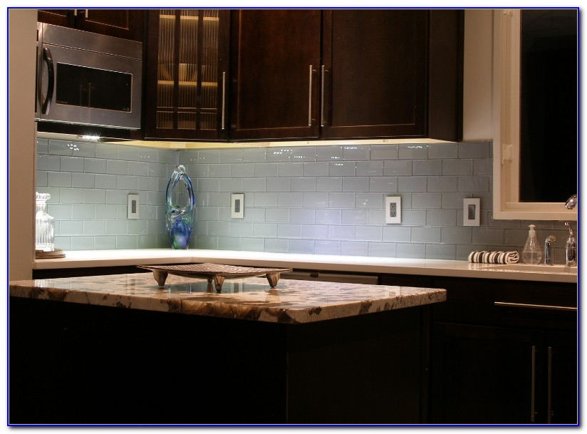 Kitchens With Black Subway Tile Backsplash