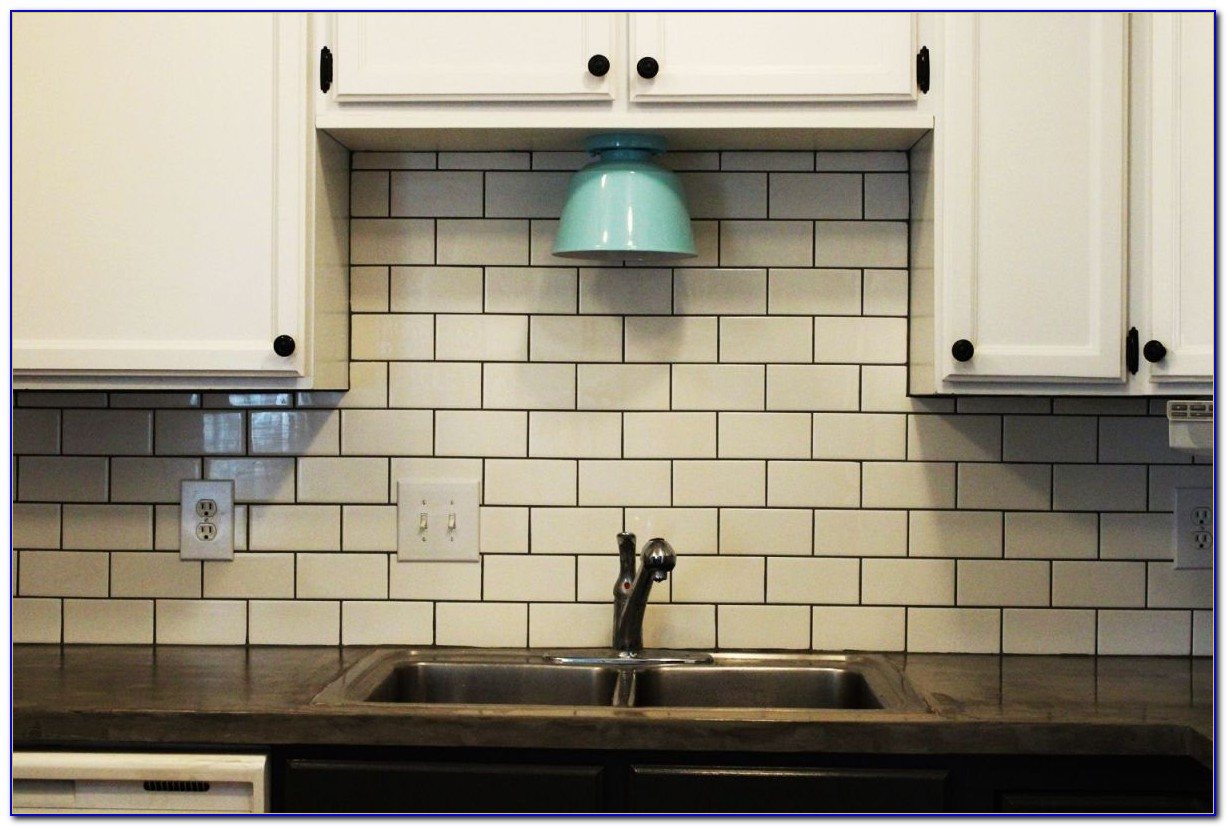 Kitchens With Subway Tile Backsplash Photos