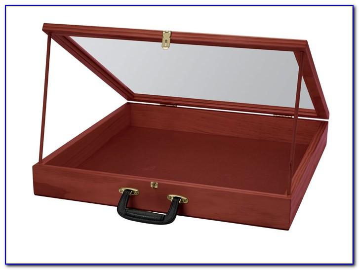 Portable Tabletop Display Case