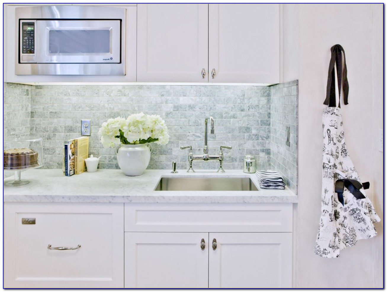 White Marble Subway Tile Backsplash