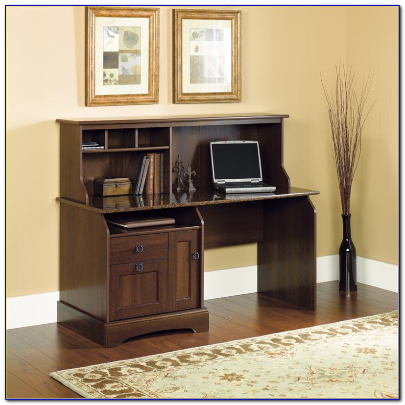 Amish Oak Desk With Hutch