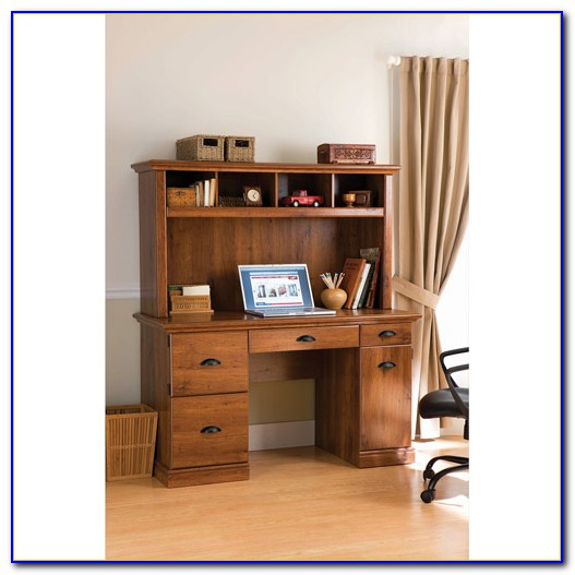 Carolina Oak Computer Desk With Hutch