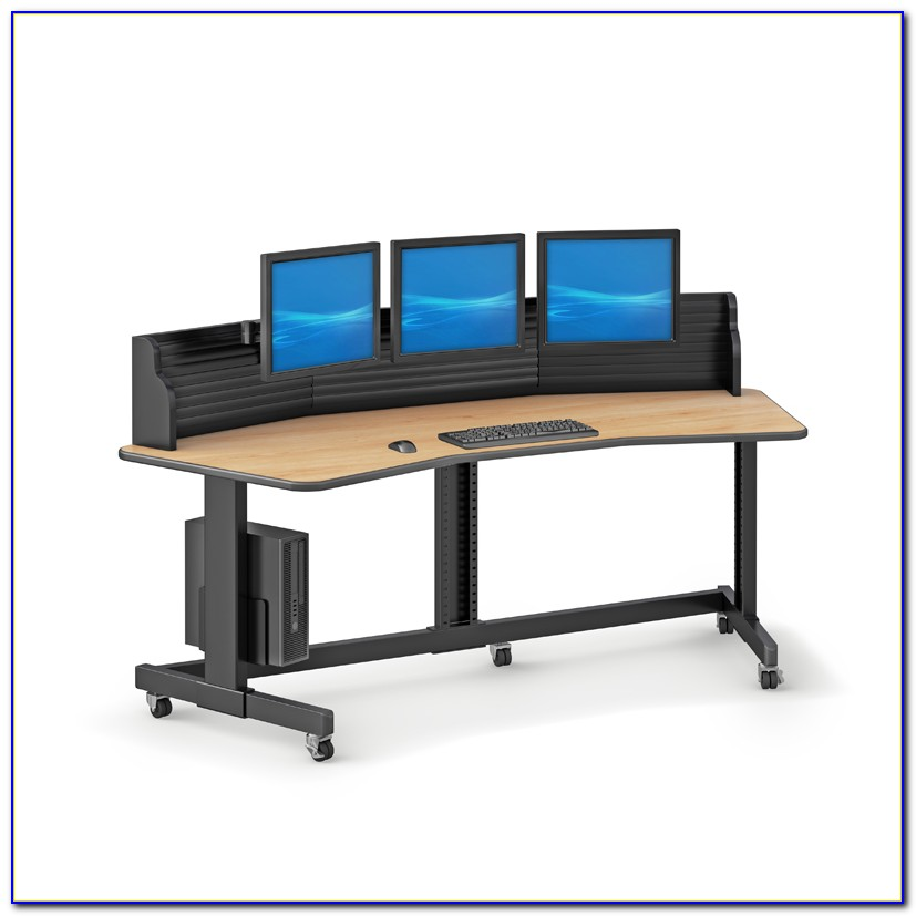 Good Computer Desk For Multiple Monitors