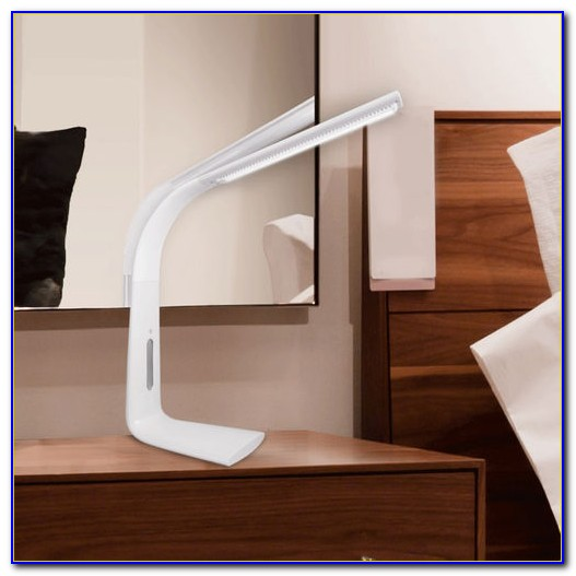 Satechi Flexible Led Desk Lamp With Usb Charging Port