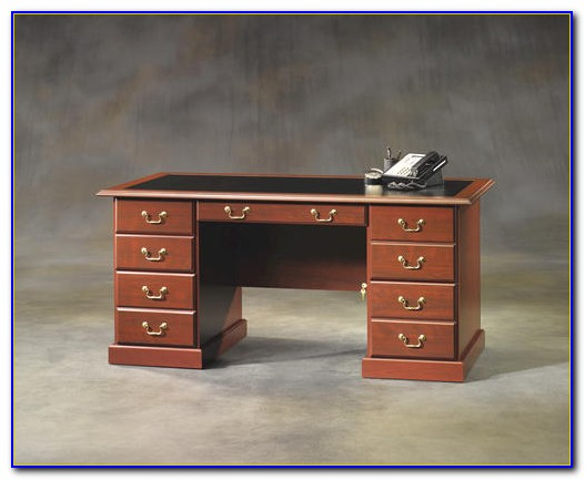 Sauder Heritage Hill 70 Executive Desk
