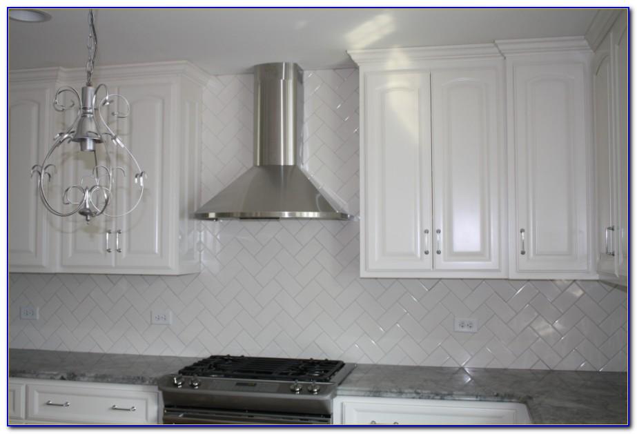 White Glass Backsplash Tile For Kitchen
