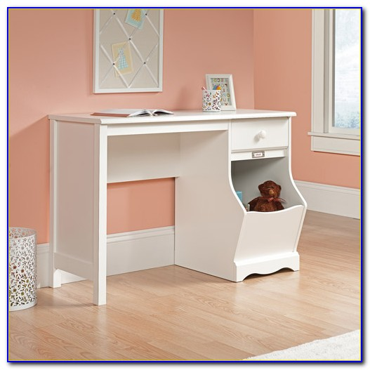 Sauder Beginnings Student Desk Oak