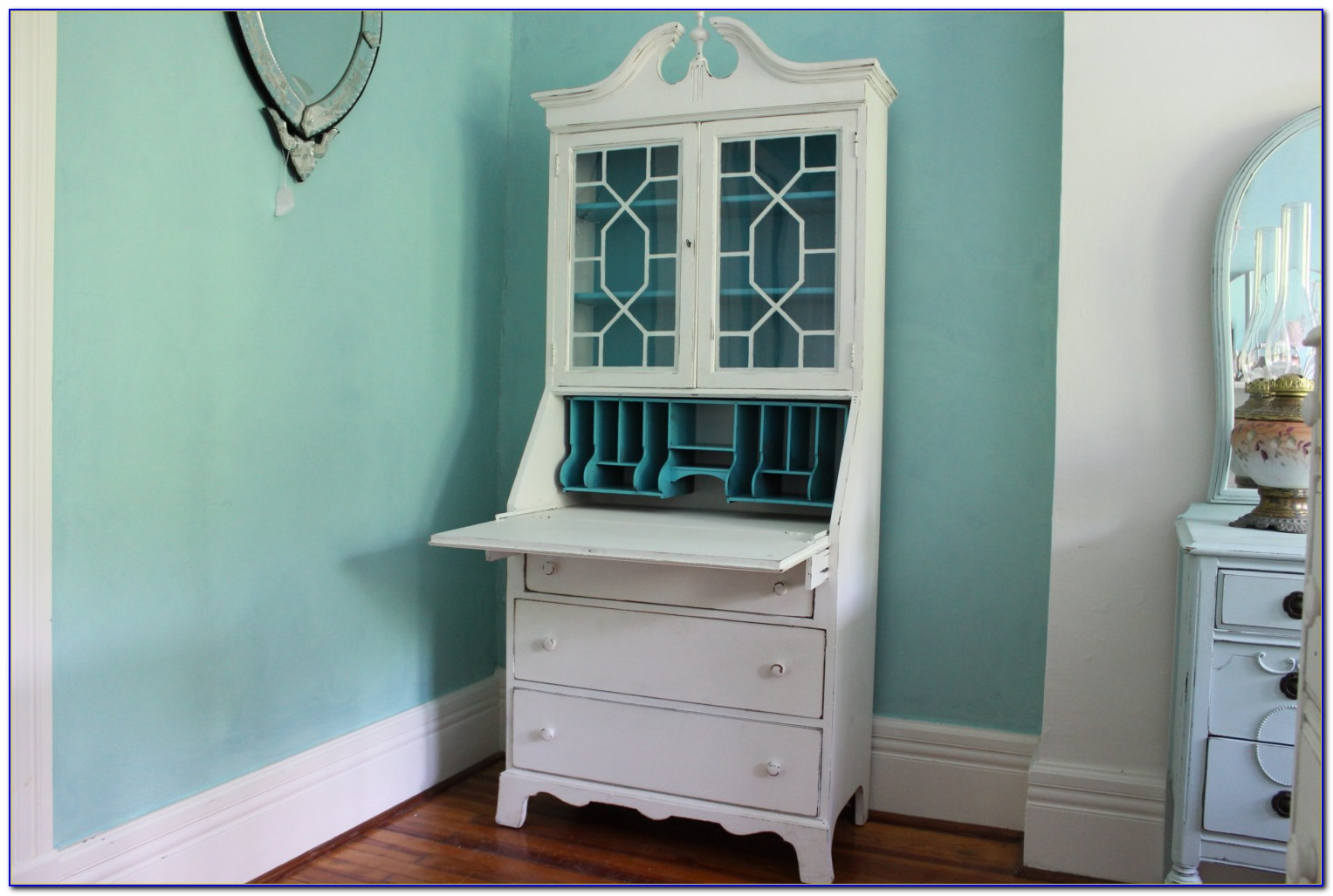 White Desk With Tall Hutch