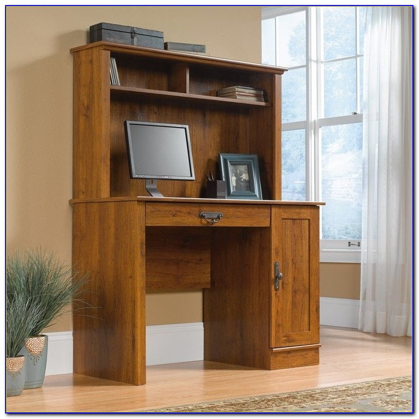 Wooden Student Desk With Hutch