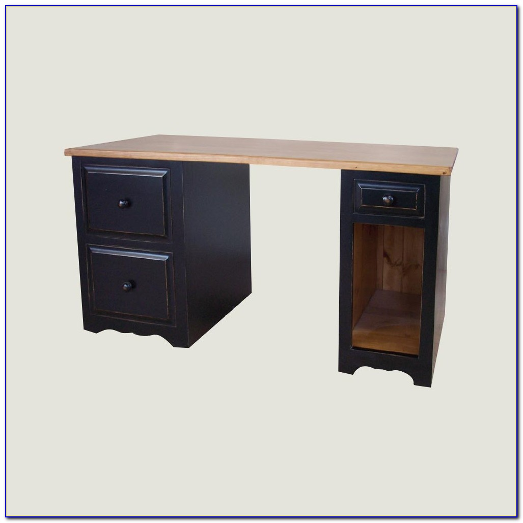 Desk With 2 File Cabinets