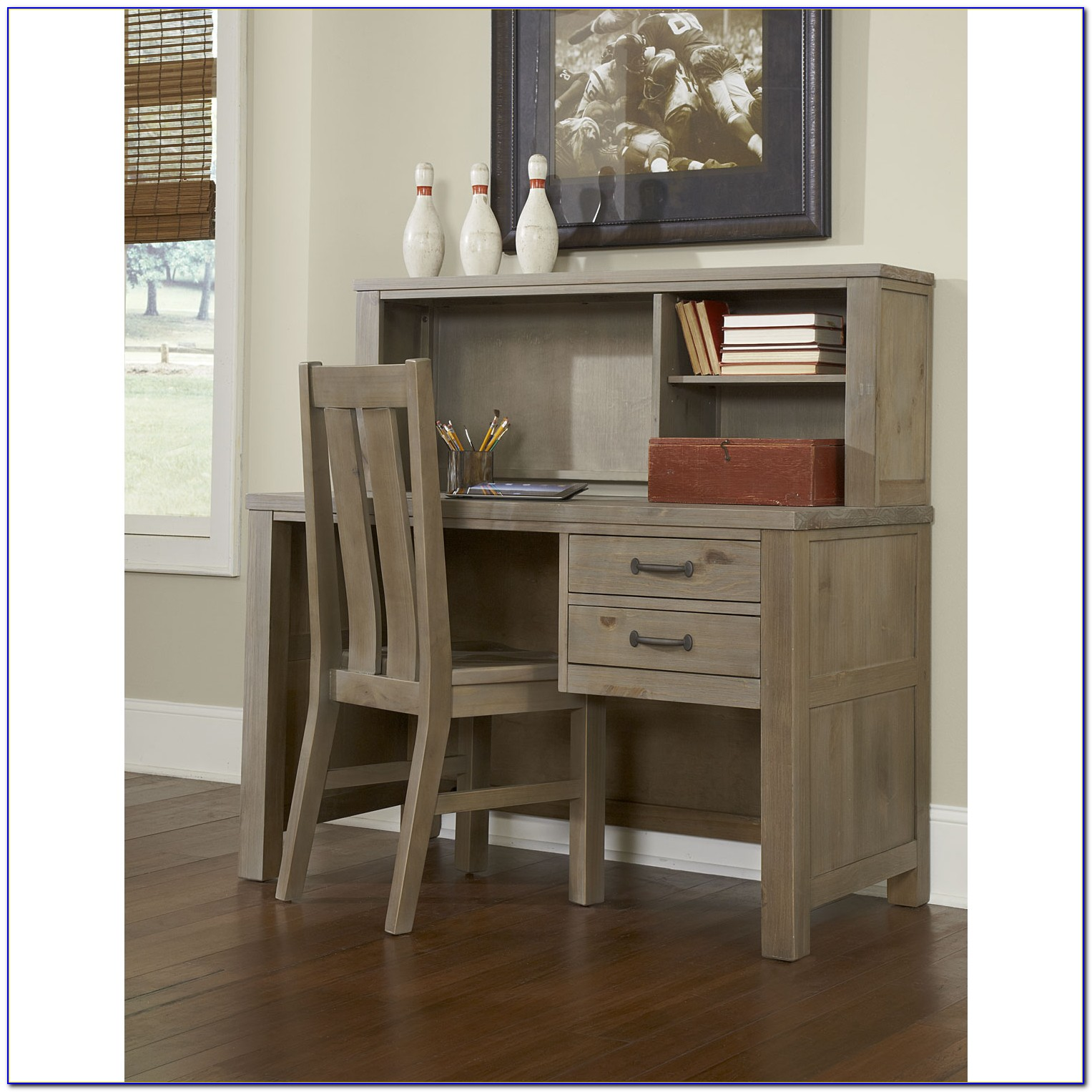 Small Children's Desk With Hutch