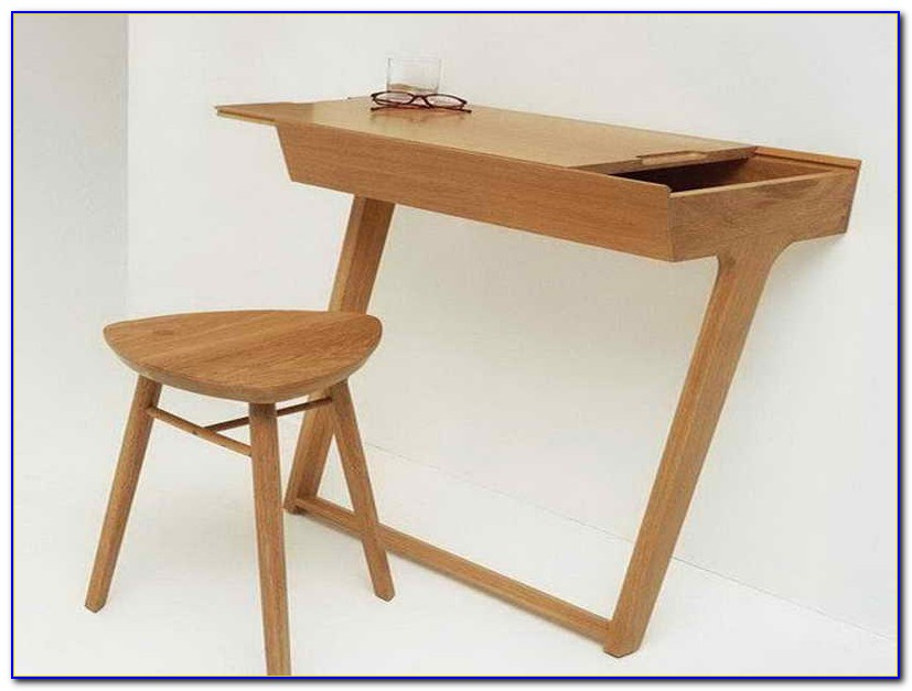 Small Wooden Computer Desks For Small Spaces