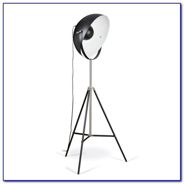 Cinema Studio Tripod Floor Lamp