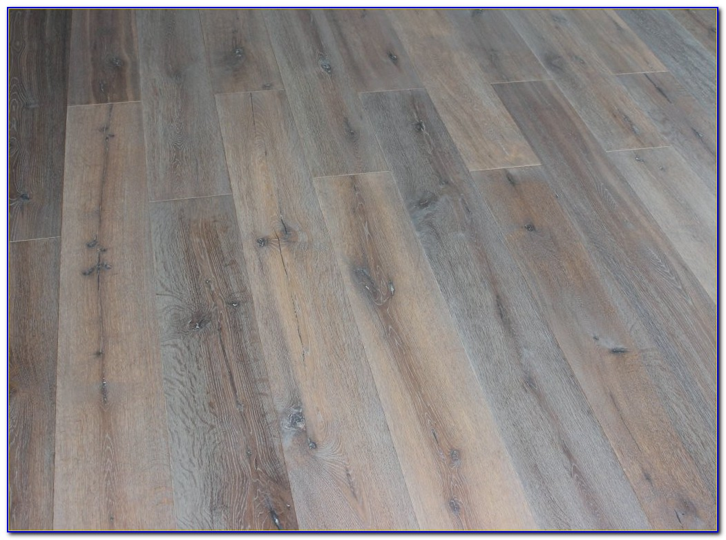 Wire Brushed Solid Oak Flooring