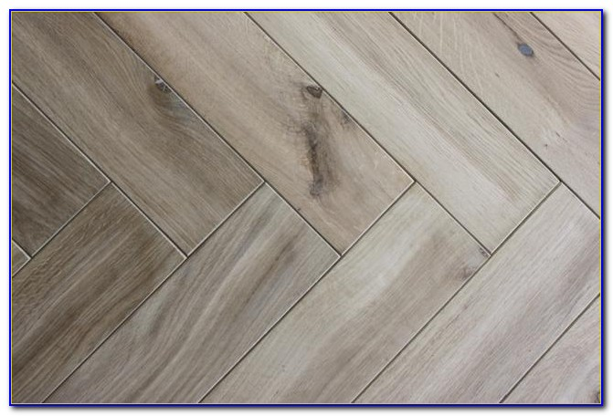 Distressed Hickory Engineered Wood Flooring