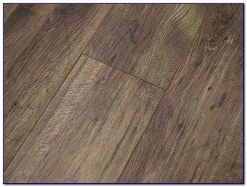 Hand Scraped Oak Laminate Flooring